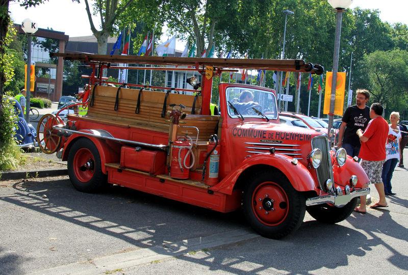 1936 Renault AC-Z serie auto Pompe