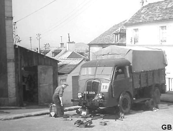 1936 RENAULT AGK