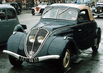 1937 Peugeot 302 cabrio