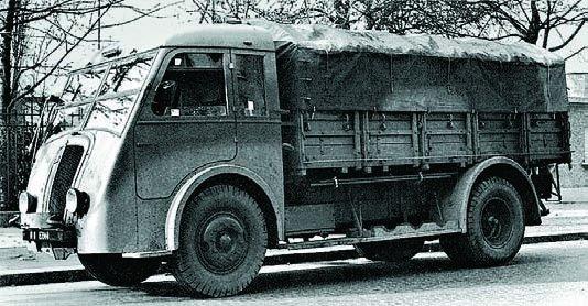 1937 Renault AGK