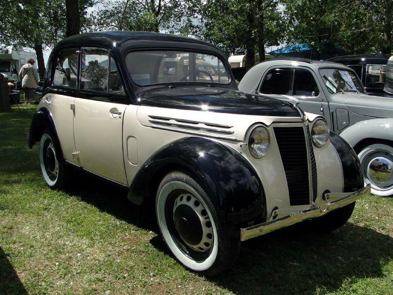 1939 Renault Juvaquatre En Fourgonnette
