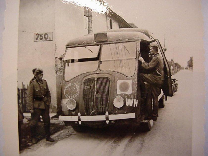1942 Renault AGK réquisitionné
