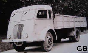 1945 RENAULT 208 E1 prototype crée par les usines RENAULT juste aprés le conflit