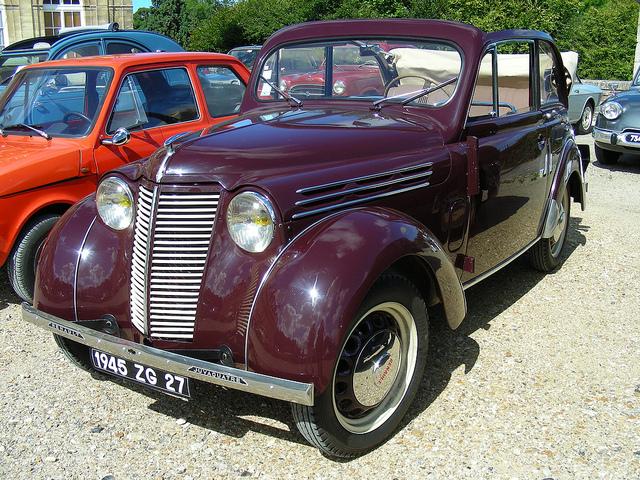 1945 RENAULT Juva coach découvrable