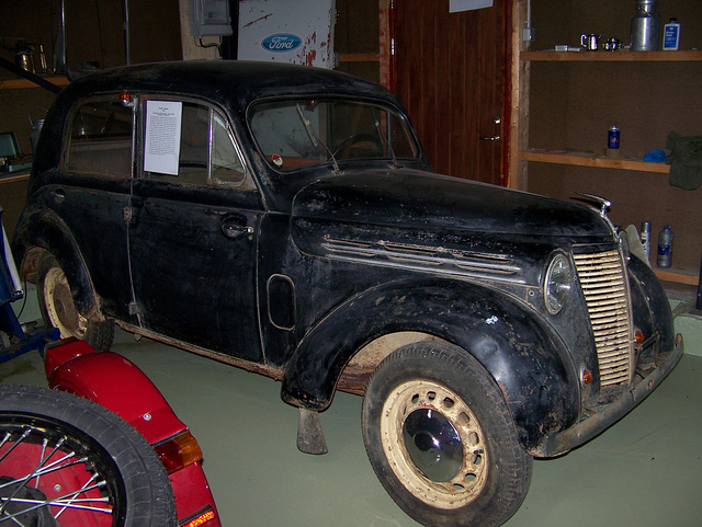1946 Renault 100