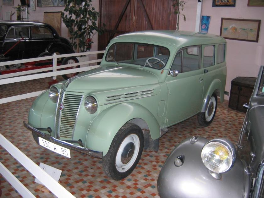1946 Renault dauphinoise