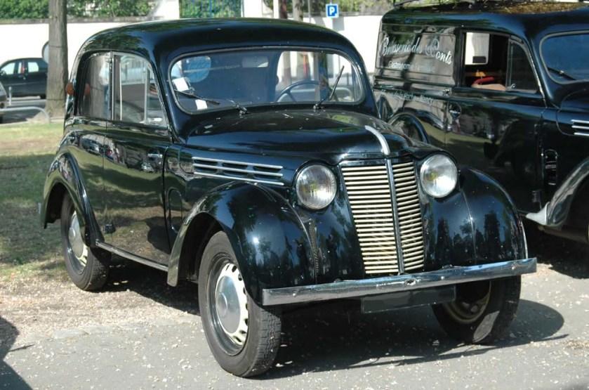 1946 Renault Juvaquatre