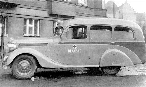 1947 Ambulance Praga Lady-08