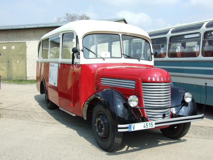 1948 Brno, Řečkovice, autobus Praga RND