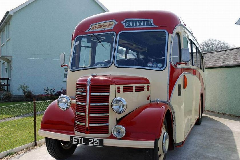 1950 Bedford OB ETL221, Plaxton 29 seater coach with 28HP petrol engine
