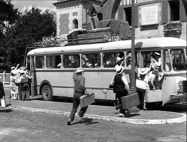 1950 Renault Car 50 Places