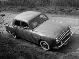 1951 Renault Fregate - Front Angle