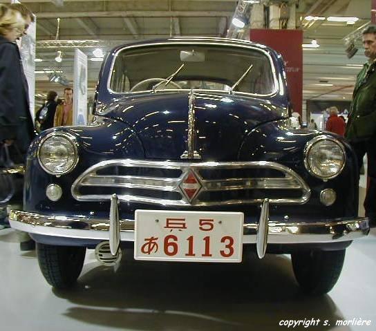 1951_renault_4cv_deluxe_01_m