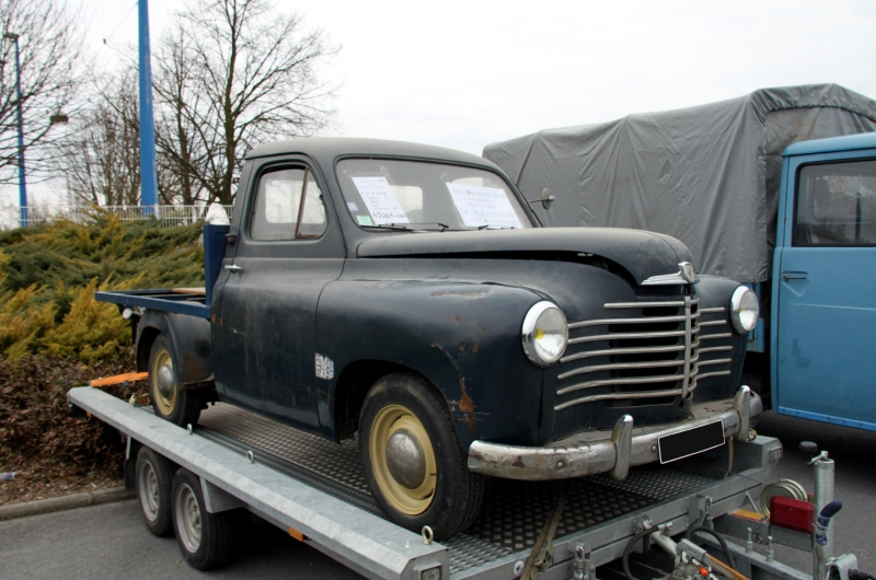 1952 Renault prairie plateau
