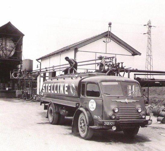 1953 RENAULT 4141 pétrolier
