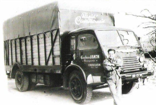 1953 RENAULT 4220