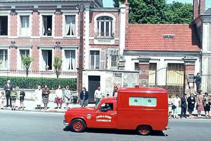 1954 peugeot-403-ambulance-03