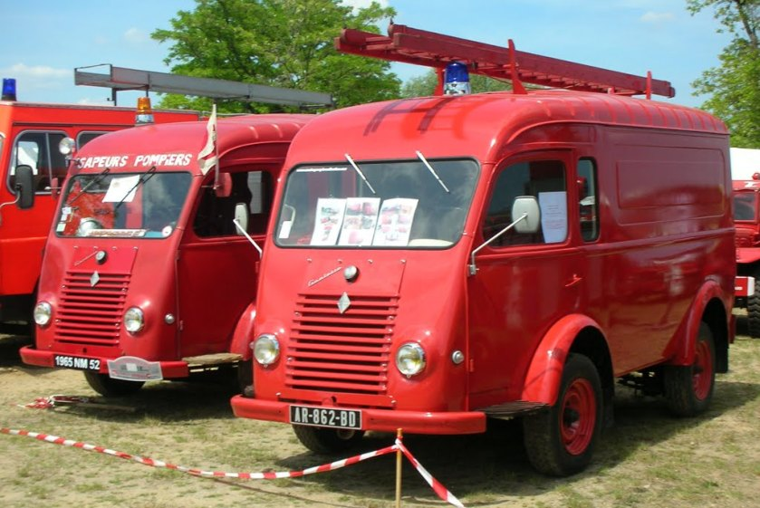 1954 Renault 1000kg Fire Car Twin