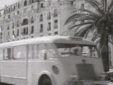 1954 Renault 215 D in Flottans glada gossar