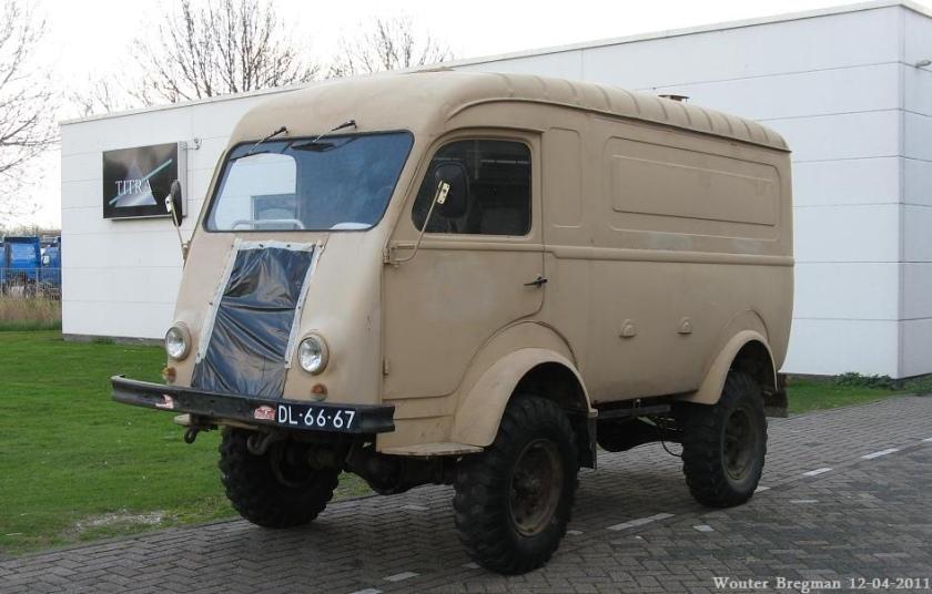 1954 Renault Goelette
