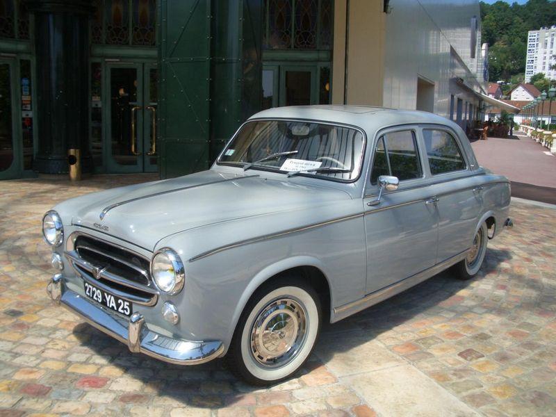 1955 Peugeot 403 front