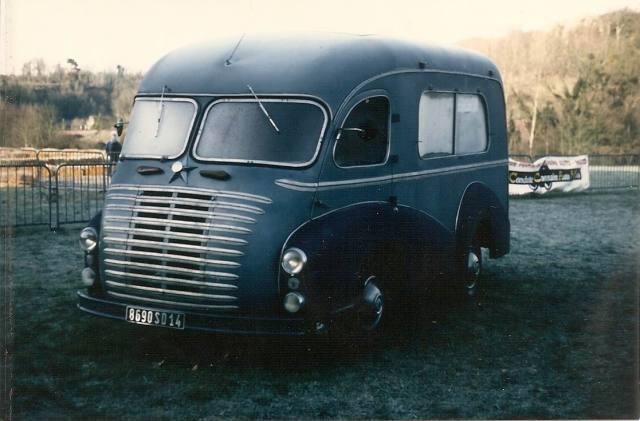 1955 Renault colorale camping car