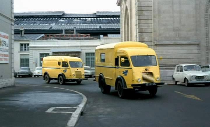 1955 Renault Galion en daarachter een Goelette