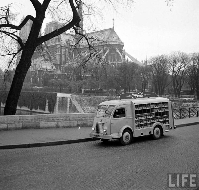 1955 Renault Goulette. Coca Cola