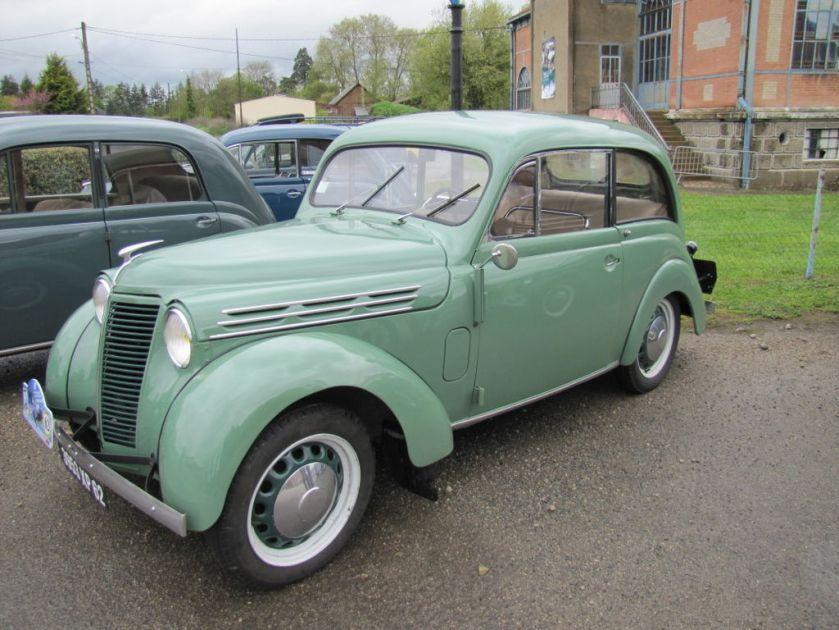 1955 Renault Juvaquatre Dauphinoise