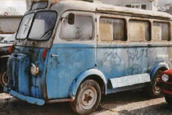 1955 Renault Veteraan uit Zwitserland