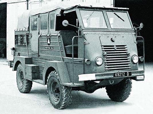 1956 Renault R-2087, 4x4, Staffcar