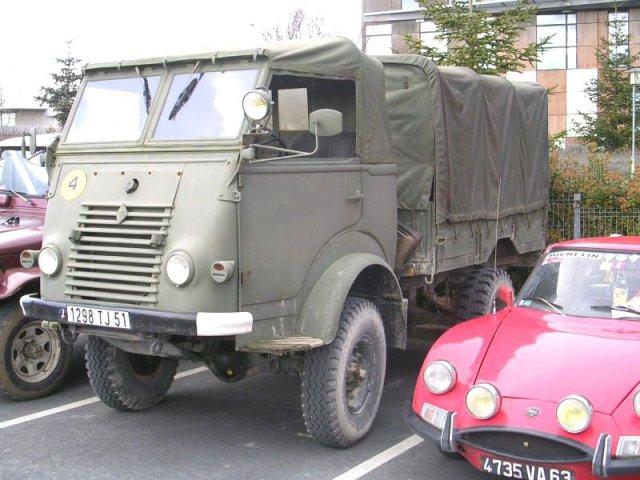 1957 RENAULT R 2087 Goulette 4x4 militair