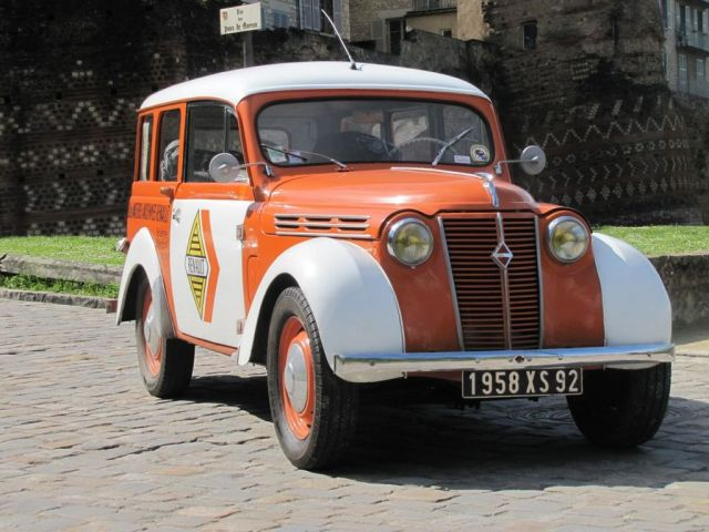 1958 Renault Dauphinoise Break Type R2101