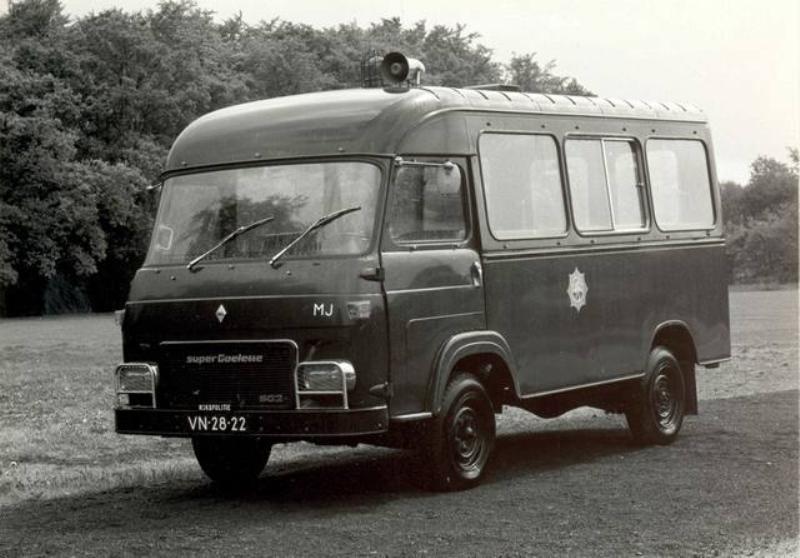 1970 Saviem-Renault Super Goulette SG2E Rijkspolitiebus VN-26-22