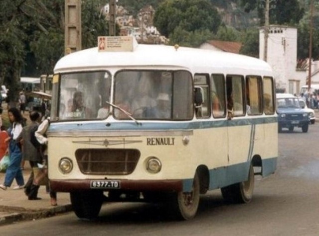 1972 Carrier Renault bus Madagascar