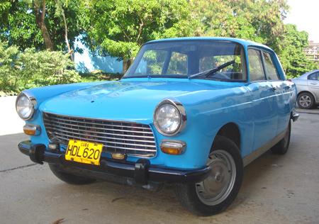 1974 Peugeot 404 en la ciudad de La Habana Cuba