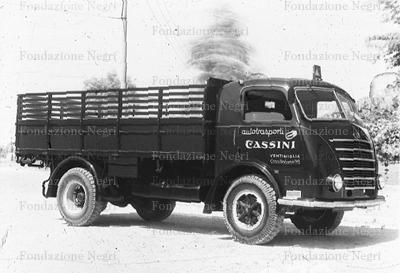 Brescia carrozzeria portesi camion om della ditta trasporti