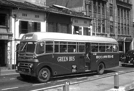 Green bus Seddon Pennine