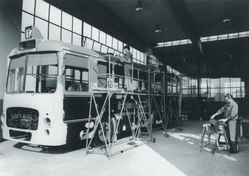 Lancia 703, in riparazione Portesi