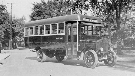 Pearce-Arrow bus that the Toronto Transportation Commission  82rosedale02