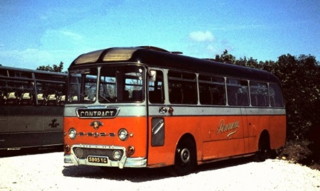 Pennine Motor Service 5895 YG, Leyland Leopard with Duple body