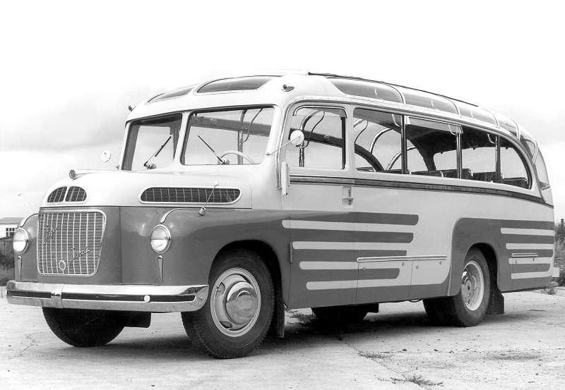 Perl-Auhof Bus. auf Chassis Steyr Diesel 380 b