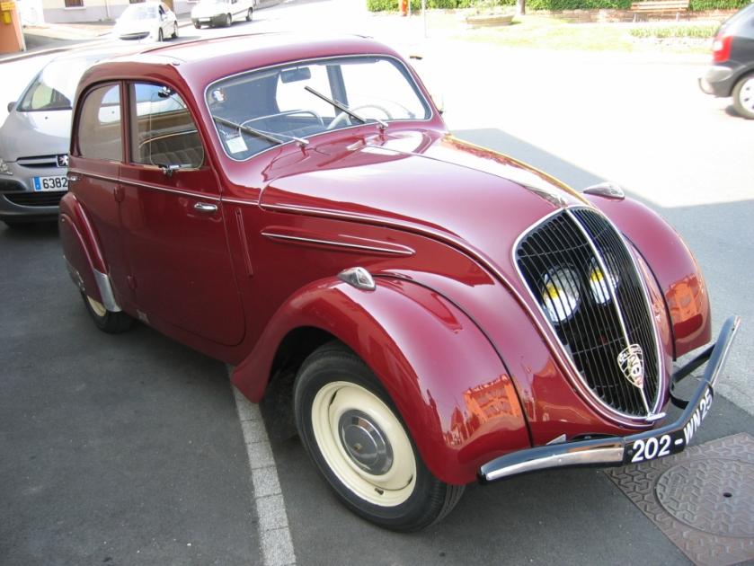 Peugeot 202 01