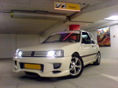 Peugeot 205-3825