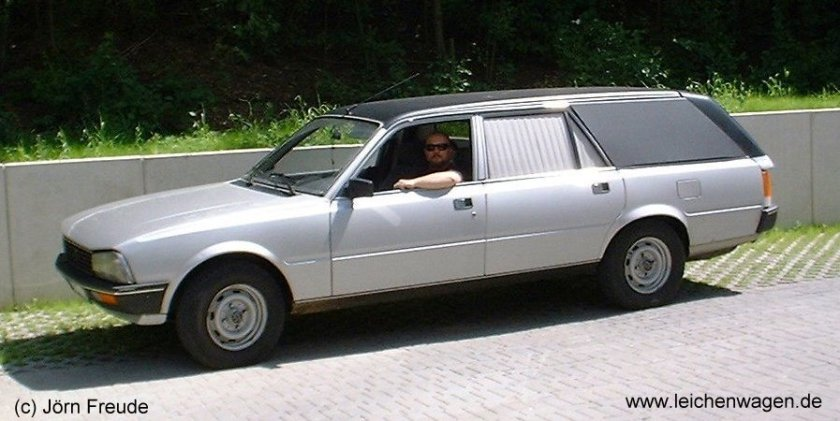 Peugeot 505 funeral car