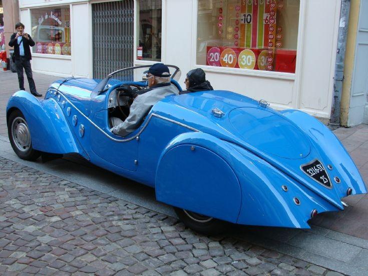 Peugeot a