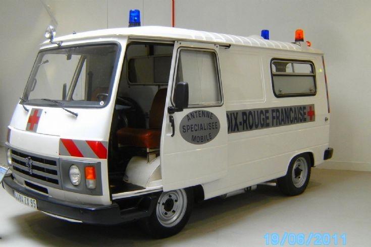 Peugeot Ambulance J9