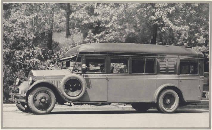 Pierce Arrow Caravan de luxe Traveling home on model Z chassis