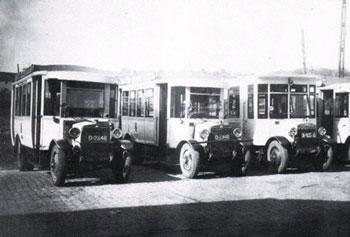 1925 2 bussen een Chassis van Auto Traction (Minerva) en 1 op een onderstel Scemia. Bovy-Pipe
