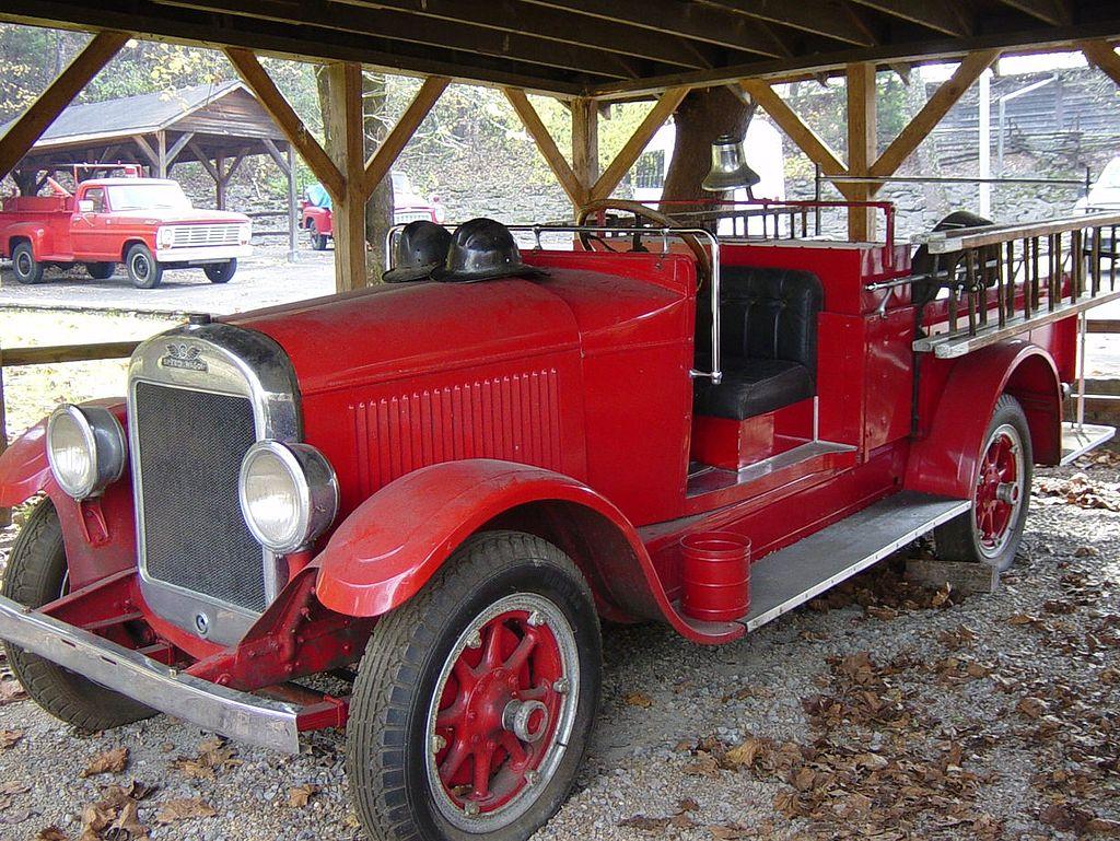 Reo Car: REO Motor Car Company Lansing Michigan U.S.A 1905-1975